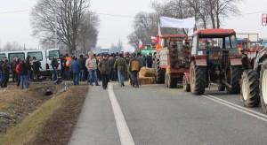 Rolnicy z Lubuskiego nie blokują dróg. Zamiast tego rozdają jabłka