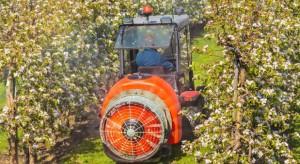 USA: Mechaniczne zapylanie drzew owocowych zastąpi pszczoły?