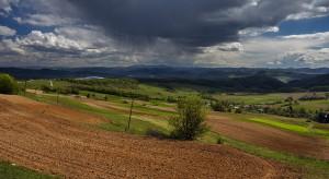 Uwaga rolnicy: Nadchodzą ulewne deszcze, możliwe podtopienia