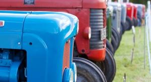 Rośnie sprzedaż używanych ciągników, maleje nowych