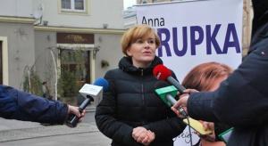 Posłanka PiS pisze do UOKiK ws. niskich cen skupu owoców