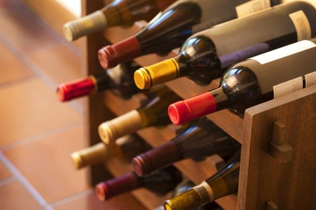 W Podkarpackiej Akademii Wina będą uczyć produkcj wina kwewri