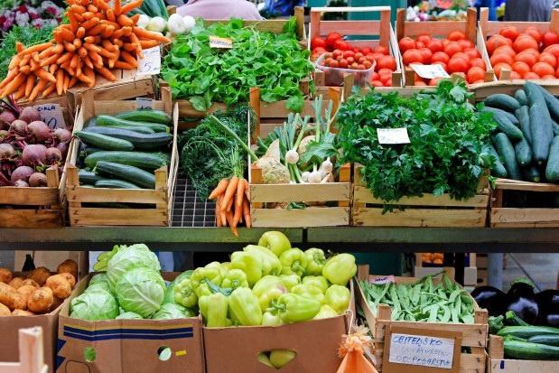 Warzywa i owoce z targowisk nie są lepsze od tych ze sklepu?