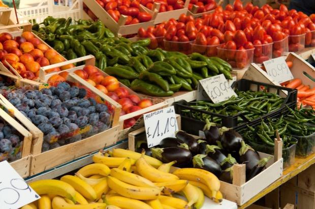 Rosja wprowadza kolejne obostrzenia w imporcie owoców i warzyw