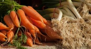 Sezonowy wzrost cen warzyw krajowych, chociaż w ujęciu rocznym nadal taniej