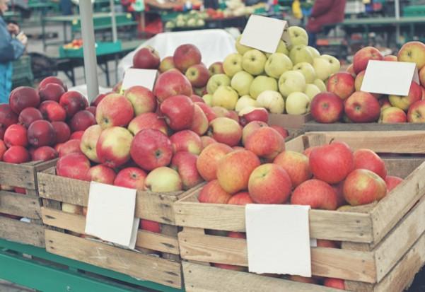 Trwa handel jabłkami wczesnych odmian. Ceny są wyższe niż rok temu