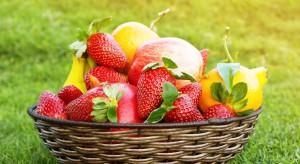 Raport EWG: Najwięcej pozostałości zawierają zwykle jabłka i truskawki