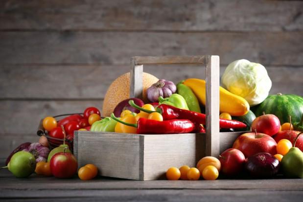 KUPS: Polacy nadal jedzą zbyt mało warzyw i owoców