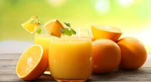 Mniejsze światowe zbiory pomarańczy oznaczają spadek produkcji soku pomarańczowego