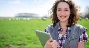 Raport IMAS: W Polsce kobiety stanowią 30 proc. zarządzających gospodarstwami rolnymi