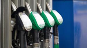 Ceny paliwa niższe niż rok temu