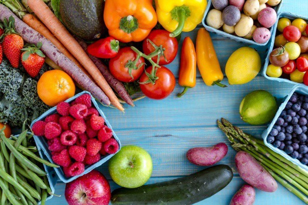 Karotenoidy zawarte w owocach i warzywach pomagają zwalczać wolne rodniki