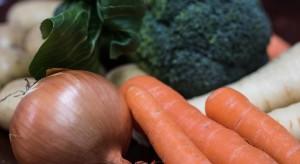 Niskie ceny kapusty, droższe warzywa korzeniowe i cebula