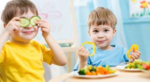 Rodzice wiedzę nt. żywienia dzieci czerpią z sieci