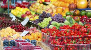 Bronisze: Od truskawek po jabłka. Ciepła pogoda powoduje spiętrzenie dostaw