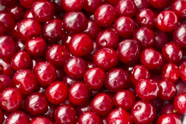 Ceny owoców: Czereśnia w hurcie nadal drożeje, ceny wiśni znowu w dół