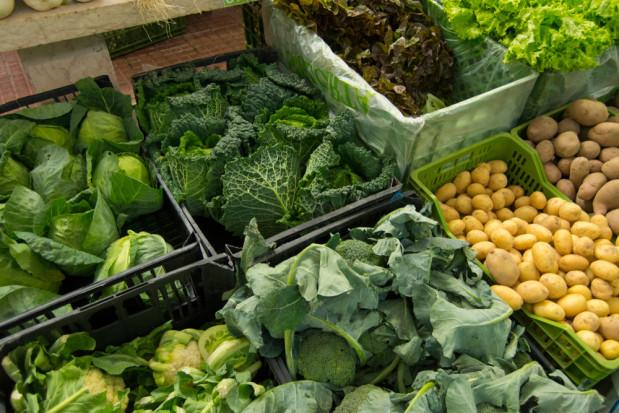 UOKIK skontrolował jak i czy sklepy informują o pochodzeniu warzyw