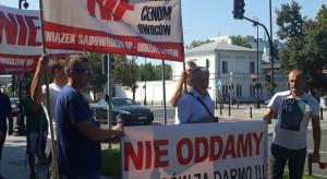 Maliszewski na proteście: Nagły skok cen skupu jabłek potwierdza, że zakłady działają w porozumieniu