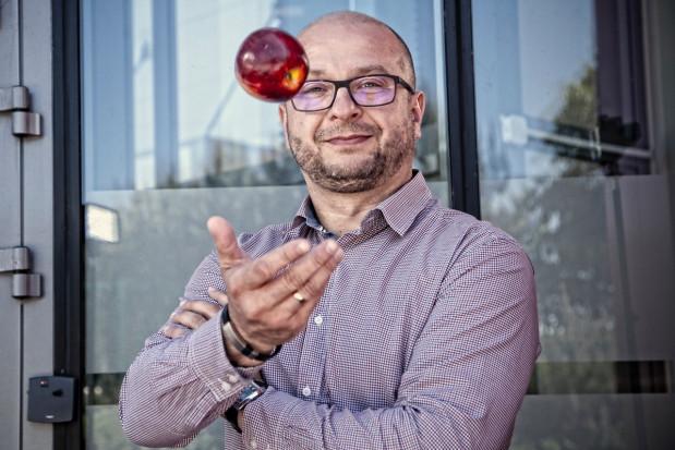 GPO Galster: Kombajn do zbioru owoców - duży wydatek, potrzebny na krótki okres, ale niezbędny