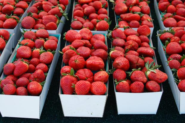 Australia: Szpilki w truskawkach w jednej z sieci supermarketów