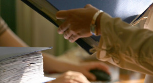 Pracodawcy: procedury zatrudniania cudzoziemców nadal zbyt skomplikowane