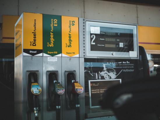 Ceny paliw zbliżają się do tegorocznych rekordów z maja