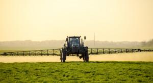 Francja / minister: Przez zakaz stosowania glifosatu część rolników straciłaby pracę
