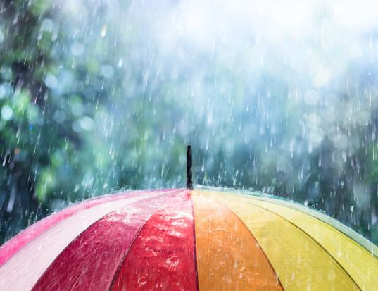 Badacze: Połowa rocznych opadów na całym świecie spada w zaledwie 12 dni