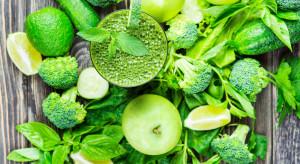 Mężczyźni w średnim wieku powinni urozmaicać dietę o zielone warzywa