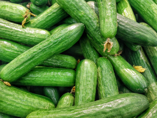 Bronisze: Zdrożały polskie pomidory i ogórki spod osłon
