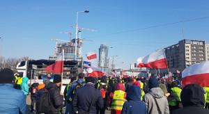 W Warszawie trwa manifestacja rolników na pl. Zawiszy