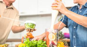 Większe spożycie warzyw i owoców sprzyja niezależności seniorów