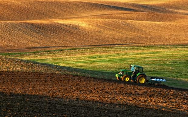 W komisji rolnictwa spór o możliwość zaciągania długów przez KOWR na ziemię rolną