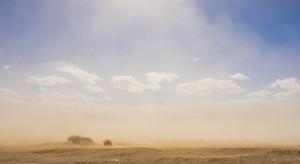 IMGW ostrzega: nad Polskę nadciąga pył znad Sahary