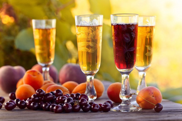 W marcu spadła produkcja win owocowych