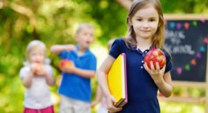 """Dzięki """"Programowi dla szkół"""" dzieci skonsumowały 235 mln porcji owocowo-warzywnych"""