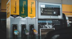 Analitycy: Benzyna rekordowo droga