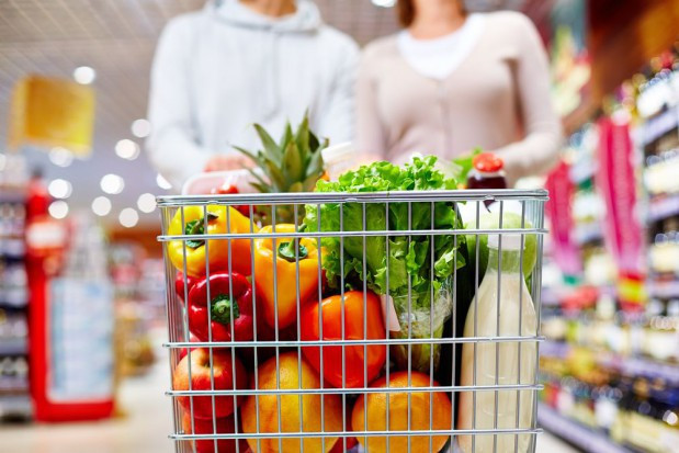 Za wysoką inflację odpowiadał wzrost cen żywności. Powodem była m.in. wiosenna susza