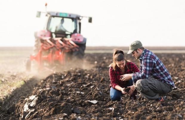 ARiMR przyjmuje wnioski o wsparcie dla młodych rolników