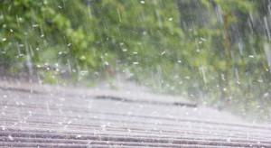 Ostrzeżenia pierwszego stopnia przed burzami z gradem w pięciu województwach