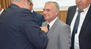 """Wojciech Konieczny, redaktor """"Farmera"""" z odznaczeniem Zasłużony dla Rolnictwa"""