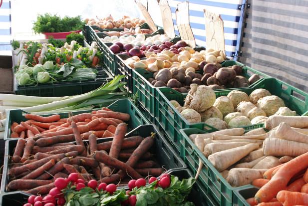 Bronisze: Ceny warzyw porównywalne z rokiem ubiegłym. Wyjątkiem cebula i młode ziemniaki