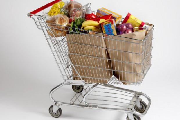 Koszyk cen: Ziemniaki, papryka ciągną w górę ceny w supermarketach