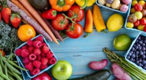 IŻŻ: Warzywa i owoce powinny być podstawą naszego menu
