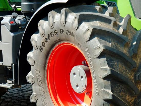 Sprzedaż używanych ciągników rolniczych spadła o 7 proc.