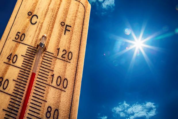 RCB ostrzega: W całym kraju upał do 33 st. Możliwe burze i lokalnie grad