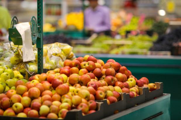 UOKIK: Sprawdzono oznakowanie warzyw i owoców krajem pochodzenia – wyniki z 18 sieci handlowych