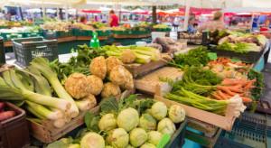 Credit Agricole: Niższa dynamika cen warzyw obniżyła inflację