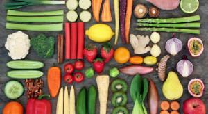 Dieta bogata w owoce i warzywa może wpływać pozytywnie na sprawność osoby starszej