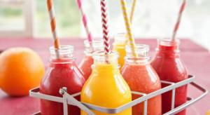 Dlaczego warto sięgać po  soki i smoothies?